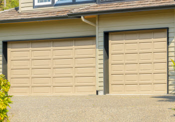 Ordinaire Summit Garage Door Repair Is Your Number One Garage Door Expert In Seattle  Washington And The Surrounding Areas. Our Capable Technicians Can Repair  All ...